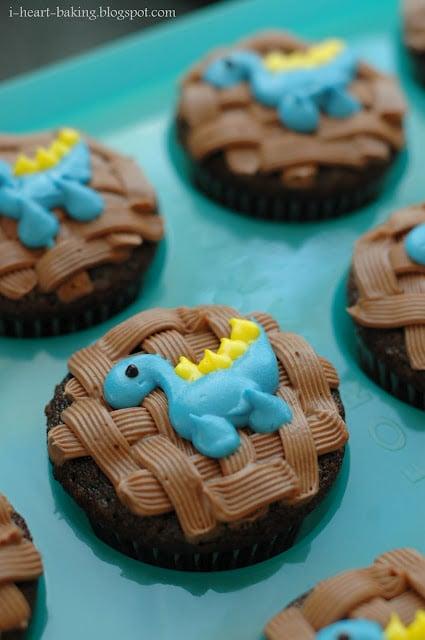 I Heart Baking Dinosaur Cupcakes